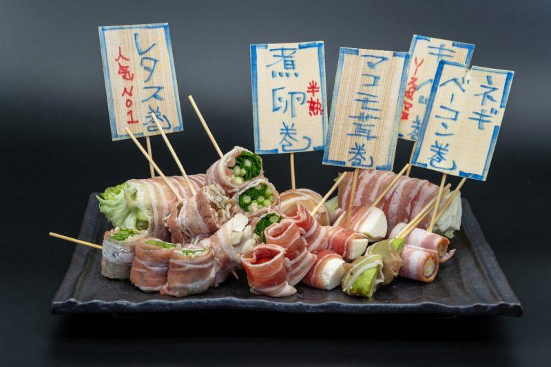 弥次郎兵衛 朝霞台店では博多名物のヘルシーな串焼きをご用意してます